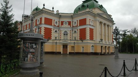 Irkutsk_dramatic_theater2_1_thumb_main